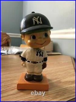 1960-61 New York Yankees Bobble Head Nodder Orange Square Base