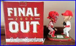 ADAM WAINWRIGHT & YADIER MOLINA The Final Out 2006 WS Bobblehead SGA Cardinals