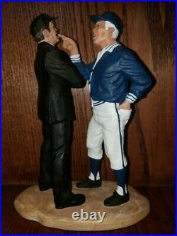 Hartland Statue, Leo Durocher, The Confrontation