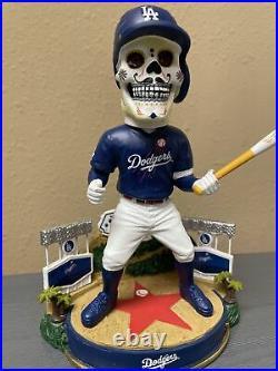 Los Angeles Dodgers Hollywood Hills Dia de los Muertos Bobblehead FOCO #106/2020