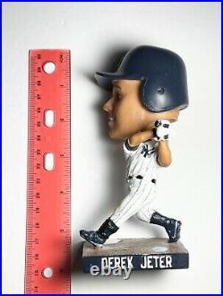NEW YORK YANKEES DEREK JETER Bobblehead July 08/2013 (No Baseball Bat)