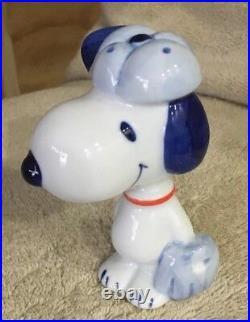 RARE Peanuts Snoopy Bobblehead Japan Porcelain Baseball series Very Unique